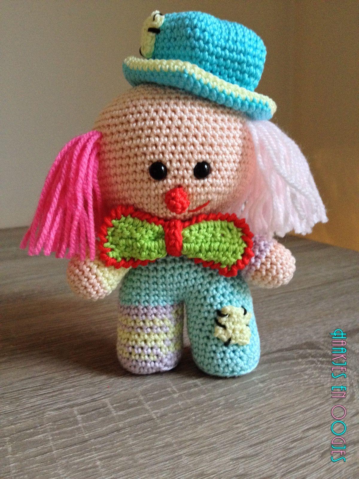 big head doll clown Guus haken