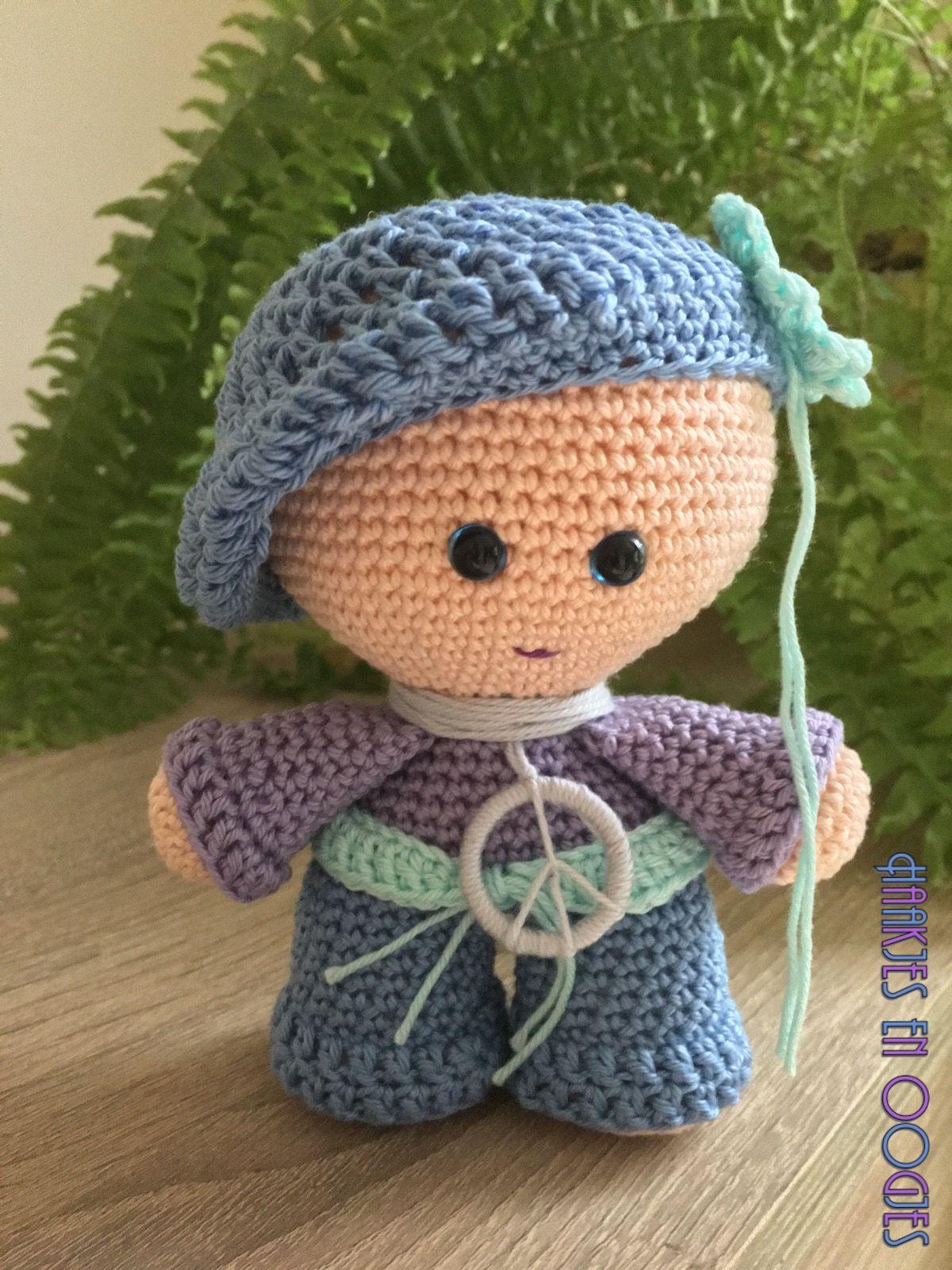Big head doll Hippie Yasmijn haken flower power