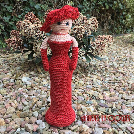 Lady in Red patroon Haakjes en Oogjes gehaakte dame
